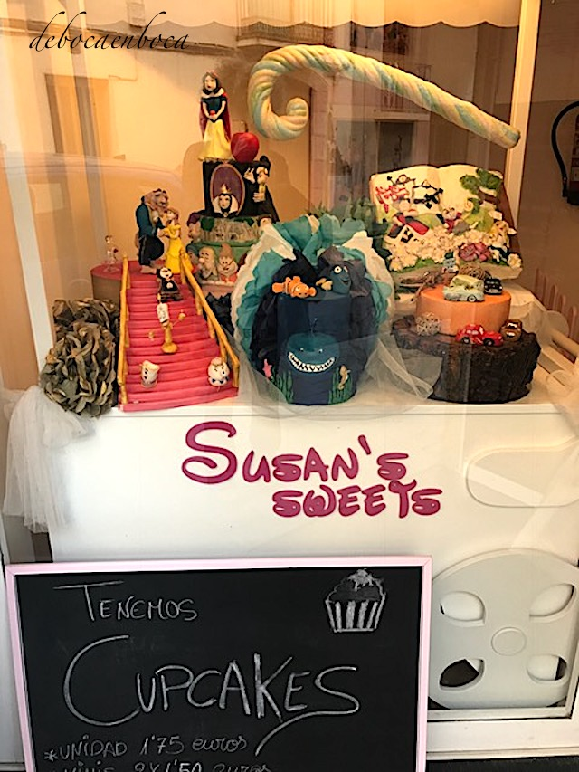 Susan's-sweets-1-copyright-debocaenboca